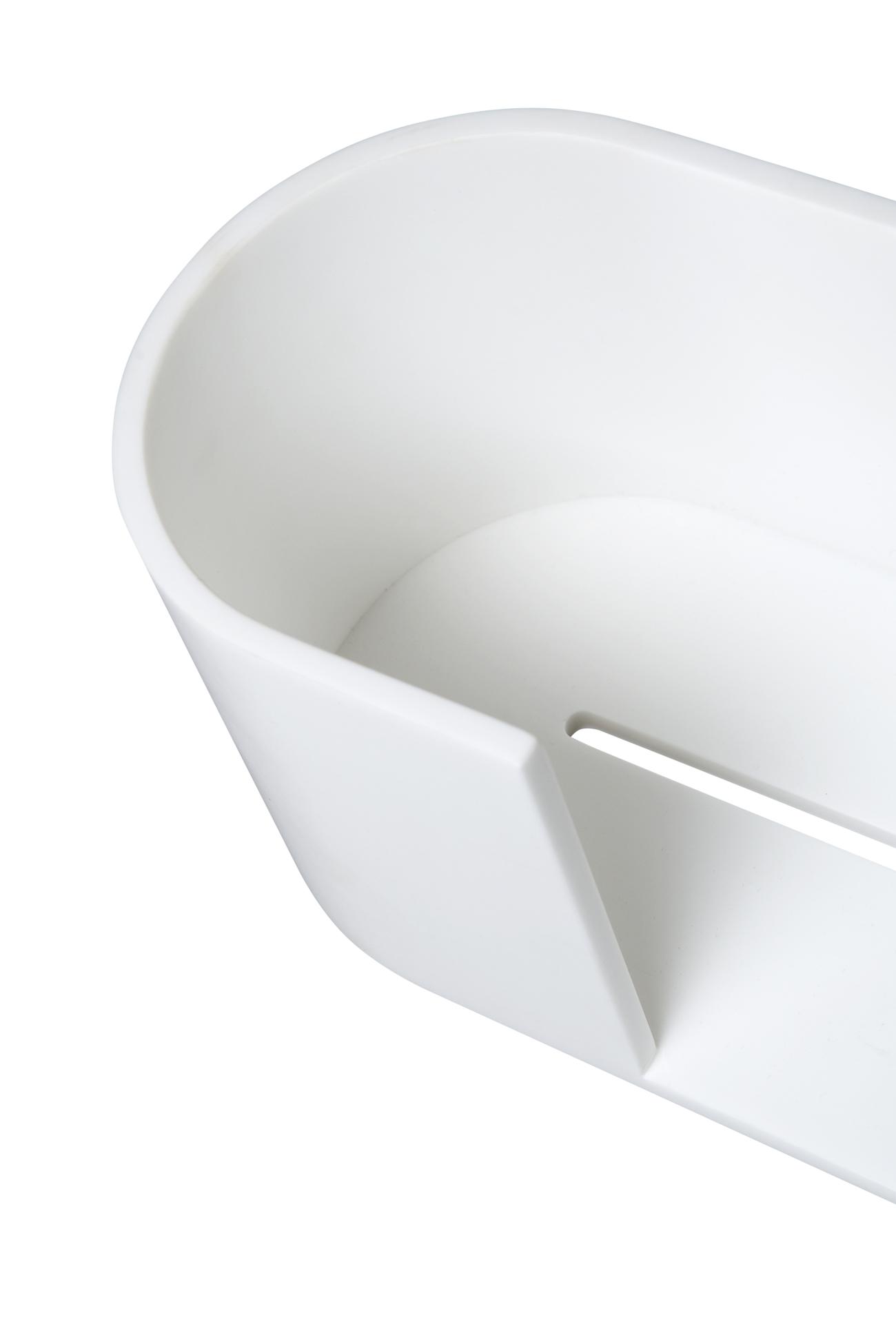 Foto aumentada de contenedor de ducha Arco rectangular con estructura de bordes redondos y base trasera plana que permite su instalación horizontal en la pared, además cuenta con una pequeña apertura en la parte delantera y otra la base del contenedor. El Picaporte