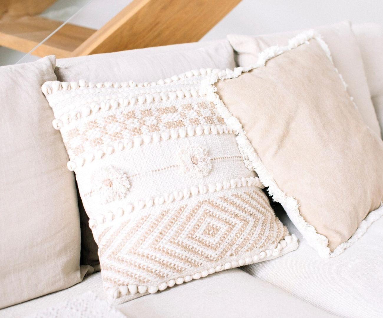 Cojín de algodón y yute con flores boho, Andrea House